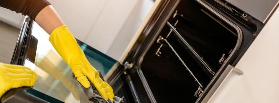 Trucos para limpiar tu horno después de las fiestas